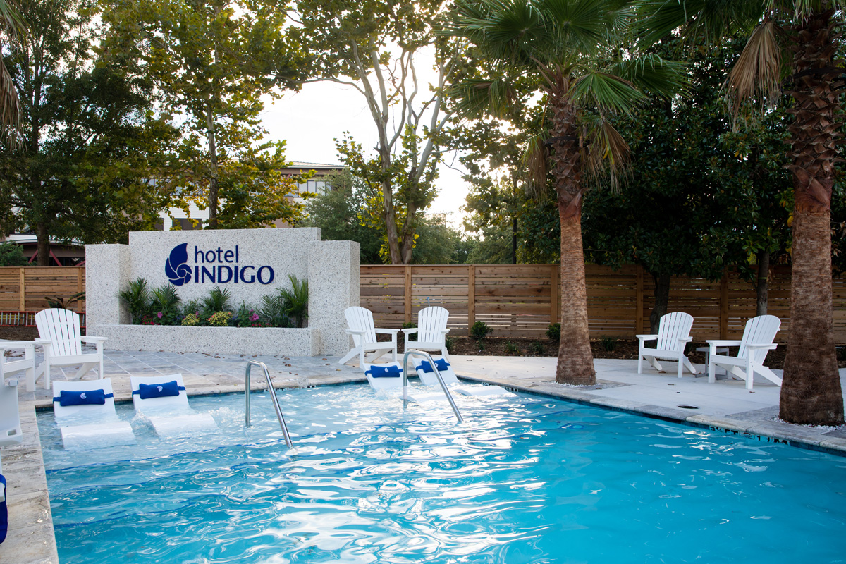 hotel indigo mount pleasant pool
